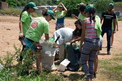 Buscan eliminar los criaderos del dengue con ayuda de la tecnología