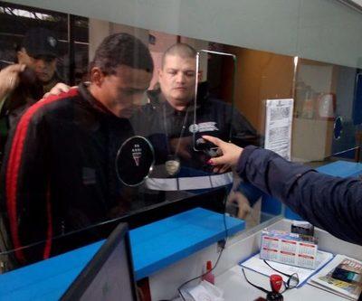 Extraditan a brasileño con orden de captura en su país