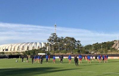 El buen ambiente reina en la última práctica de Paraguay
