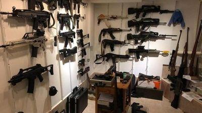 Hallan en Argentina búnker de armas que se traficaban a Brasil y Paraguay