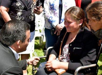 Docente con discapacidad espera que Petta cumpla