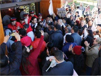 Autoridades de la UNA solicitarán a Hacienda retirar tope presupuestario