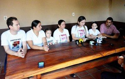 Familiares de secuestrados, con incertidumbre total