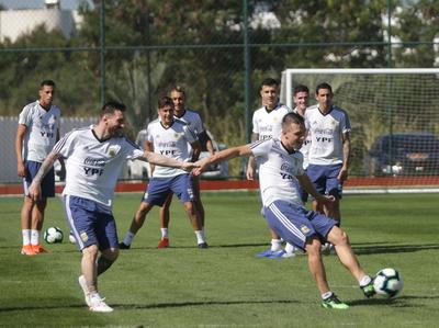 Scaloni tiene definido el once de Argentina