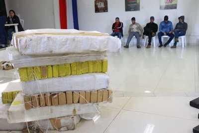 """Antinarcóticos incauta cerca de una tonelada en Operación """"Raven"""""""