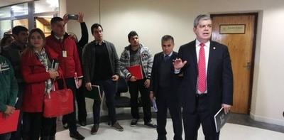 HOY / Despido de docentes: Riera acusa la  'torpeza inoportuna' de Petta