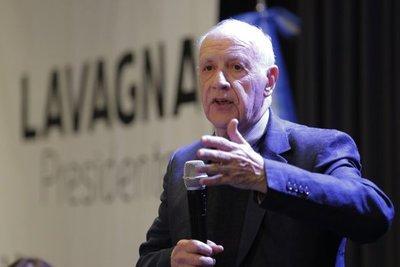 Precandidato argentino Lavagna dice al FMI que si gana renegociará acuerdo