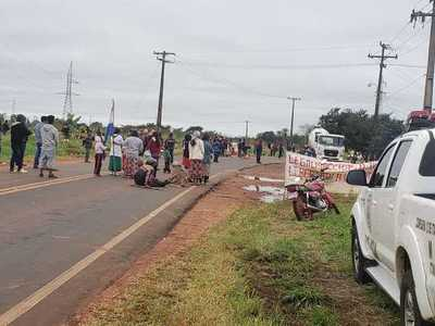 Indígenas bloquean ruta en Itakyry en reclamo de sus tierras