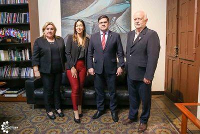Goya extiende invitación a Paraguay para participar de la Feria del Libro