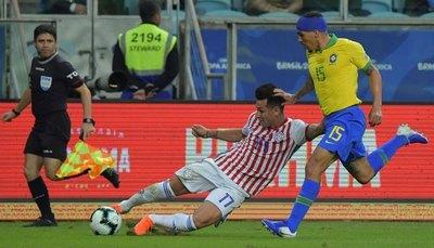 Brasil no puede con defensas como de Paraguay y Venezuela