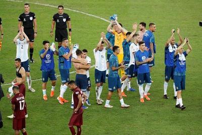 Argentina vence 2-0 y se cita con Brasil en semifinales