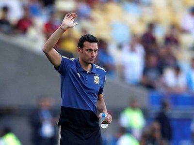 """Scaloni: """"Messi aporta mucho para nosotros no hay ninguna duda"""""""