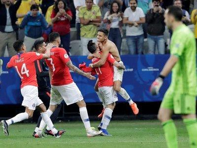 Chile gana en penales y avanza a semifinales