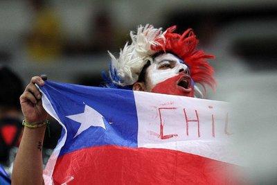 El Chile contra Colombia se atrasa 20 minutos