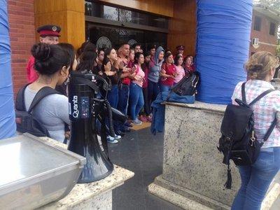 UNA anuncia sumario por protesta en el Rectorado