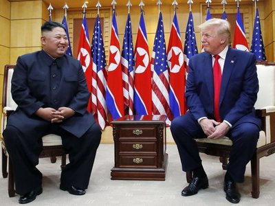 Trump celebra histórico encuentro con Kim en frontera intercoreana