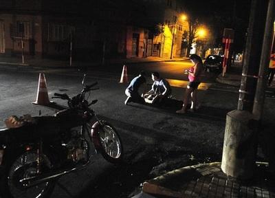 Motociclista resulta herida tras choque en Asunción