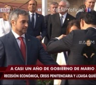 Analistas destacan debilitamiento de liderazgo de Mario Abdo Benítez