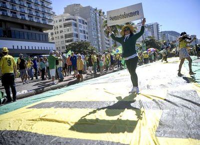 Brasil marcha en apoyo a Moro