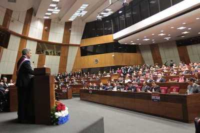 Abdo destaca avances en infraestructura, vivienda y reforma agraria