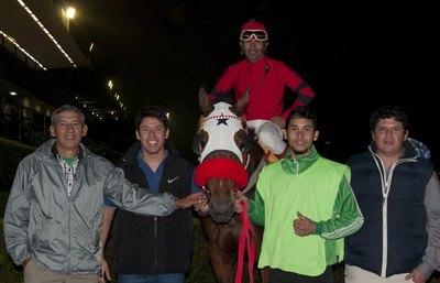 Wotan ganó el premio especial San Juan en el Jockey