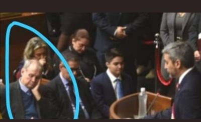 HOY / Así 'pagó' Mario la invitación de  su tocayo presidente: 'pirakutú'  durante lectura de su gestión