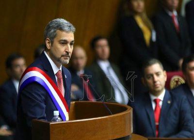Abdo Benítez optó por no hablar de la corrupción en su entorno