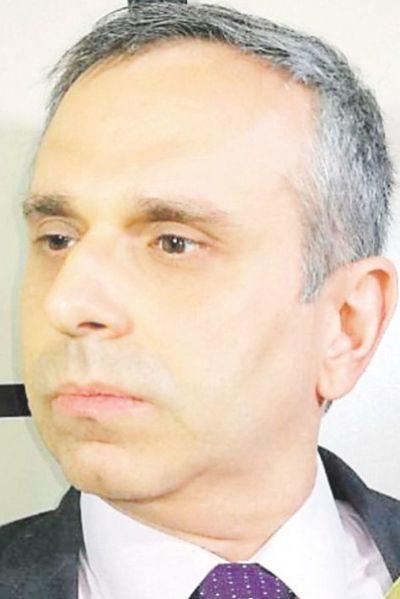 Un abogado  acusa de tráfico de influencias a miembro del Jurado