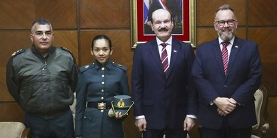 CADETE PARAGUAYA ESTUDIARÁ EN LA REAL ACADEMIA MILITAR SANDHURTS