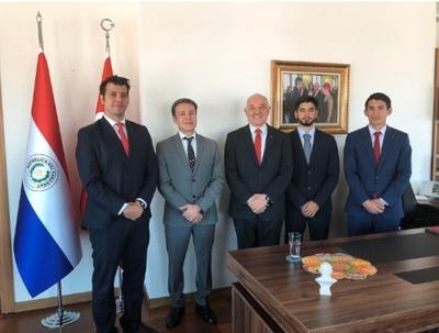 Destacan «positivo» interés que despierta Turquía en jóvenes paraguayos