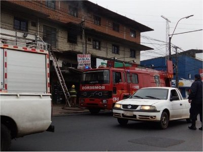Un lavarropas provoca incendio en Fernando de la Mora