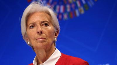 Christine Lagarde renunció temporalmente como directora del FMI