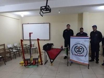 BOMBEROS AZULES PRESENTAN HERRAMIENTAS ADQUIRIDAS TRAS FIESTA DE SAN JUAN