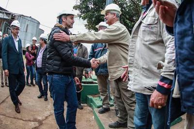 Presidente habilita modernización de planta alcoholera y ratifica apoyo a productores de caña dulce