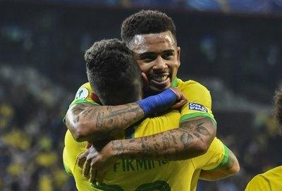 Brasil elimina al clásico rival y está en 'su' final