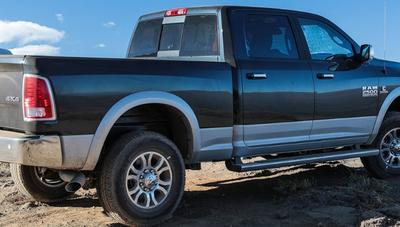 Estas son 5 de las camionetas más costosas del país
