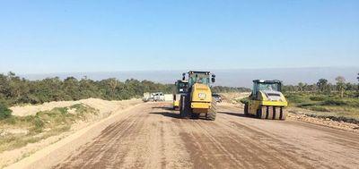 Preparan la base del primer asfaltado en Alto Paraguay