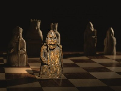 Pieza de ajedrez medieval se subasta por más de USD 900.000