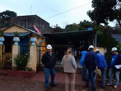 Cambio de medidores de la ANDE en Franco termina con un joven detenido
