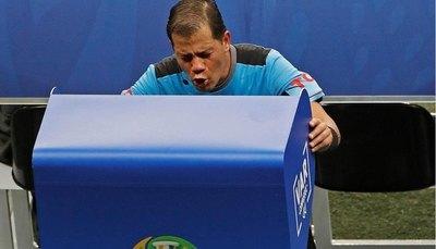 Rojas cree que el VAR no funcionaría en Paraguay