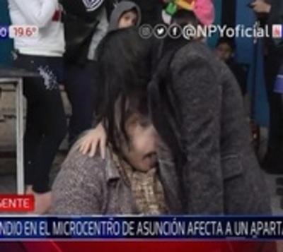Llamas consumen por completo departamento en Asunción