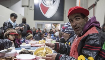 El estadio de River Plate se convierte en refugio para personas sin techo