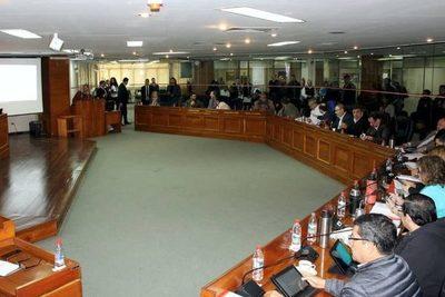 Concejal asegura que en la Junta no se plantea un aumento salarial