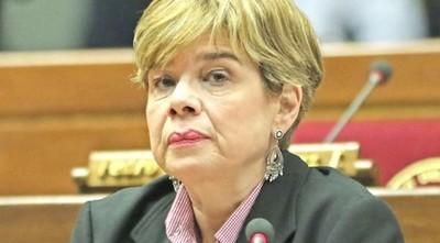 "Desirée Masi repudia declaraciones de Alliana: ""Que respete a los senadores"""