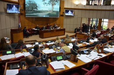 Senado insta a Kriskovich a renunciar al JEM
