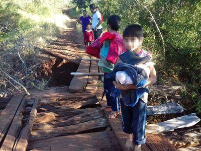 Denuncian deplorable estado de un puente en Paso Yobái