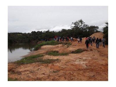 Fiscala dispone cese de extracción de arena del río Curuguaty