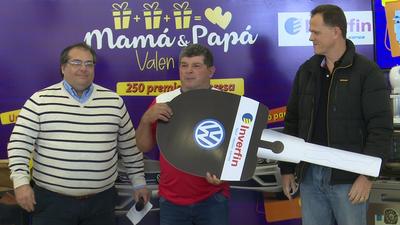 """Inverfin entrega premios de la promo """"Mamá y Papá valen por 3"""""""