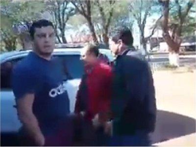 Incidente entre concejal y un ciudadano enPuente Kyjhá