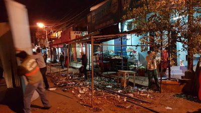Mercado: Cierran calle Gral. Caballero y Julia M. Cueto